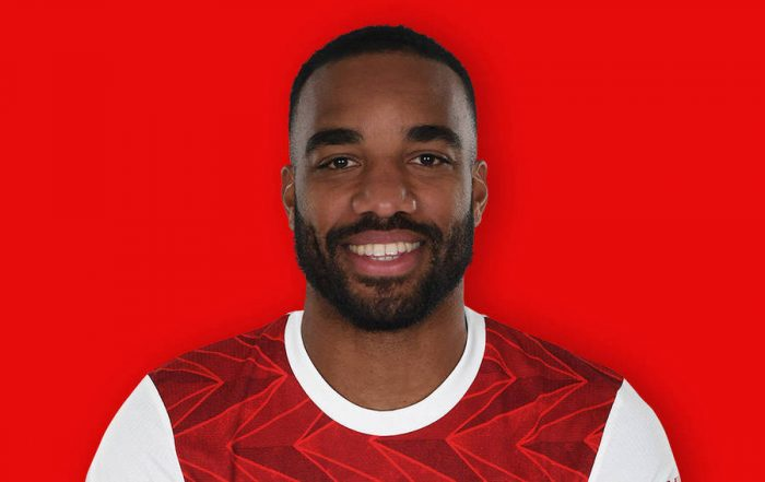 Alexandre Lacazette hiện chơi tại câu lạc bộ Arsenal và đội tuyển bóng đá quốc gia Pháp.