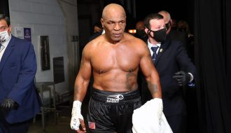 Huyền thoại quyền Anh Mike Tyson tái xuất võ đài sau 15 năm