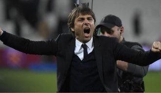 """Lý do vì đâu Conte giơ """"ngón tay thối"""" về phía chủ tịch Juventus?"""