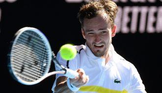 Nhà vô địch ATP Finals Medvedev lo lắng về tình hình của giải Australian Open