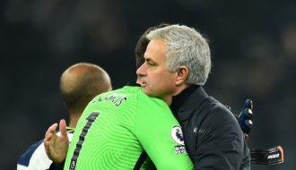 """Sau thất bại trước hai đội bóng lớn, HLV Jose Mourinho của Tottenham vẫn bao che cho """"tội đồ"""""""
