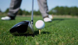 Vén màn bãi cọc đặt bóng trơ gốc như khu rừng chết ở sân golf Mỹ